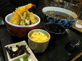 tempura don with hot soba