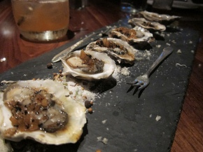 Carlsbad luna oysters, vodka migonette, fresh horseradish