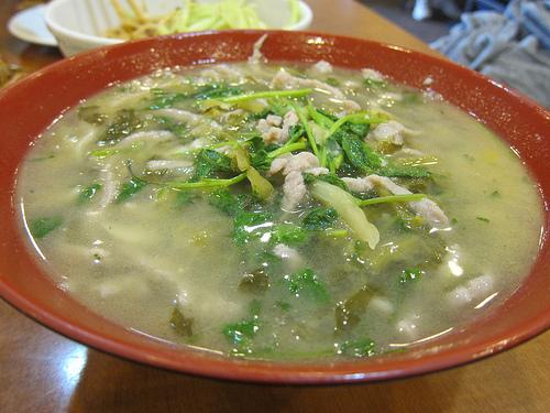 preserved vegetables and pork noodles soup