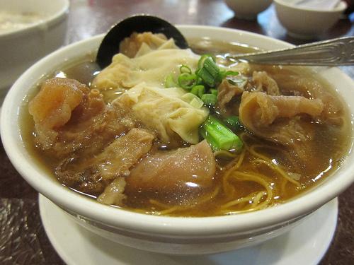 wonton and tendon noodles soup