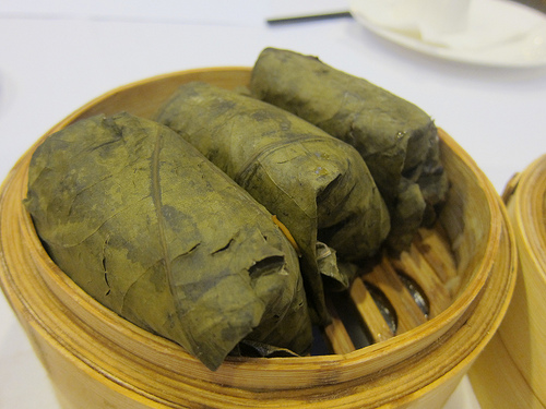 loh mai gai // lotus wrapped sticky rice