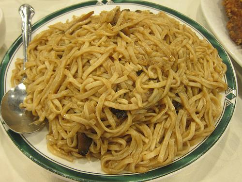 mushroom e-fu noodles