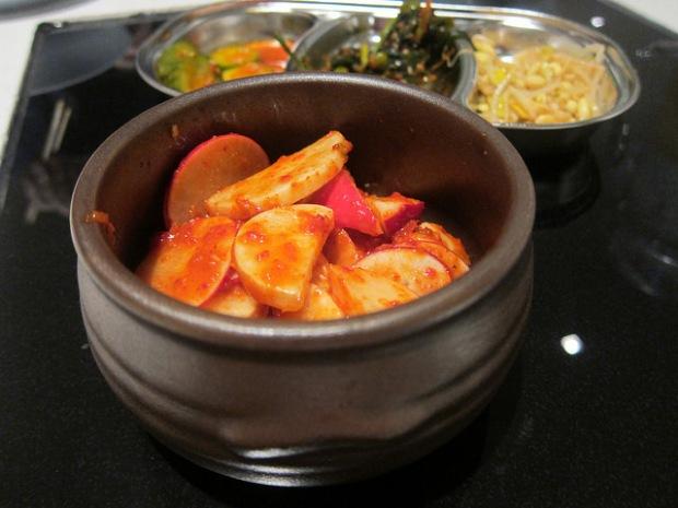 white radish kimchi