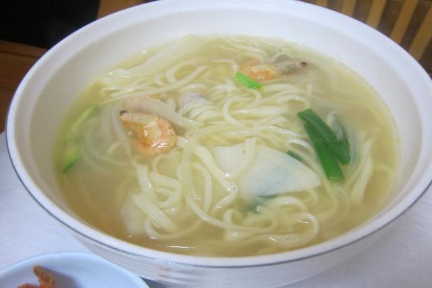 clams noodle soup