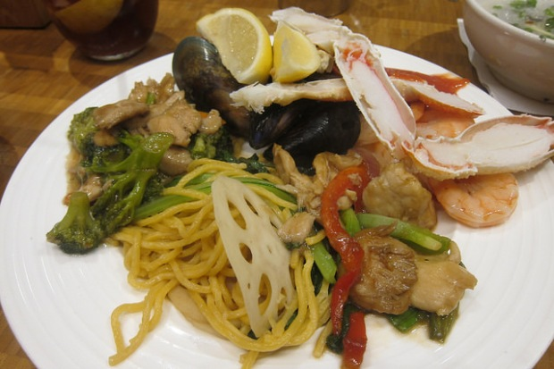 noodles and seafood