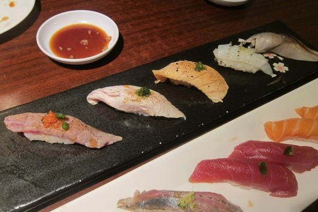 seared sushi set