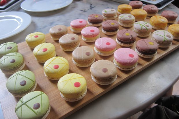 tableside macarons