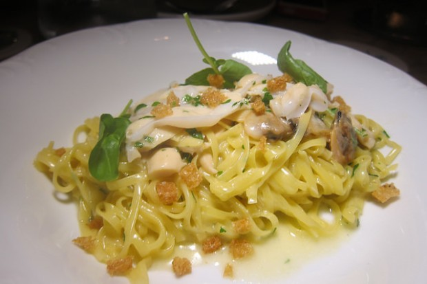 handmade linguine with geoduck and clams