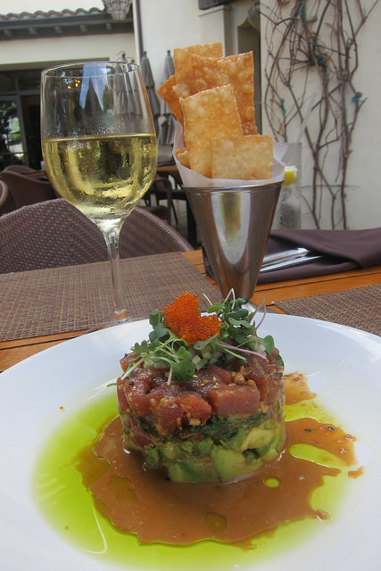 wine and tuna tartare at Catalina