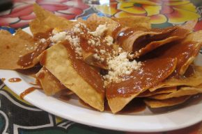 chips and mole sauce