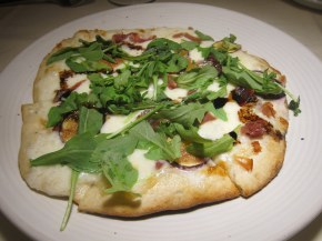 fig and proscuitto flatbread