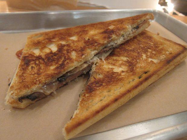 jamon sandwich