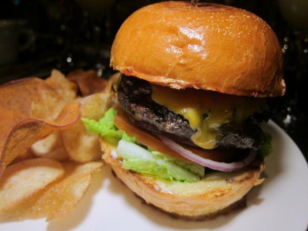 kobe burger with veganaise